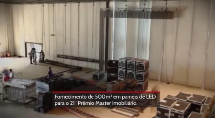>Passo a passo, veja como foi a montagem de 500 m² em painéis de LED para a superprodução do Prêmio Master Imobiliário 2015.